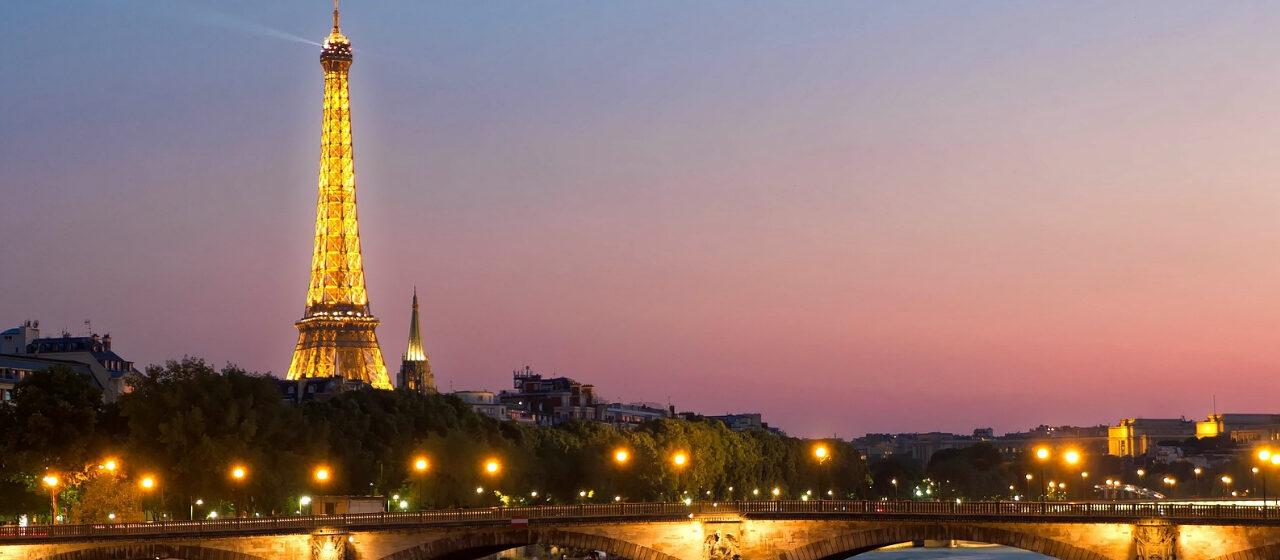 https://adarvetravel.com/wp-content/uploads/2020/05/Torre-Eiffel-París-1280x560.jpg